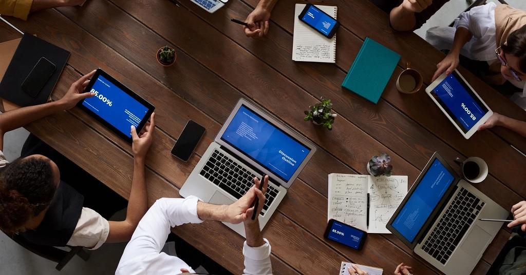 Стажировки для специалистов  с IT-уклоном